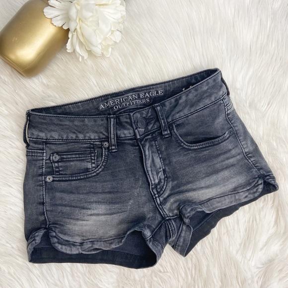 American Eagle Super Stretch Black Shortie Shorts